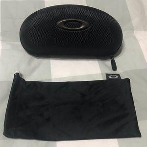 Oakley Sunglasses/Eyeglasses Zippered Case - Black